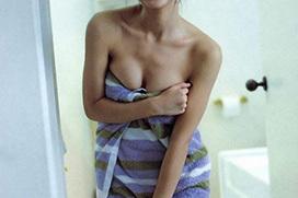 【風呂エロ画像】全裸にバスタオル一枚だけの女性って襲いたくなっちゃう