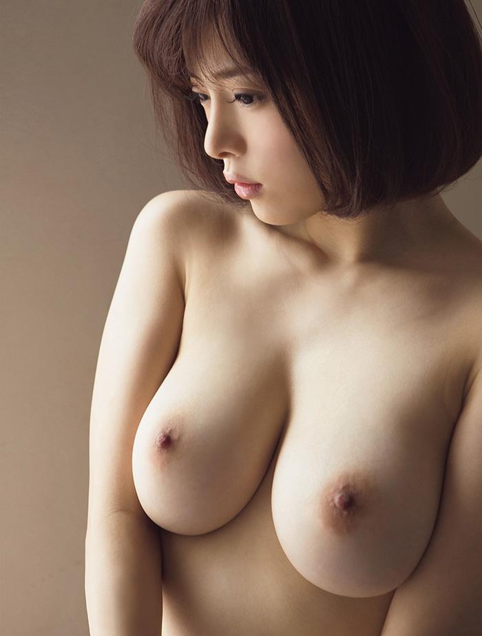 美乳 画像 14