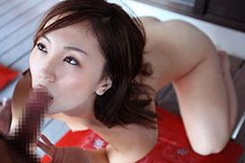 【全裸フェラエロ画像】素っ裸でチンポを咥える全裸フェラ!もう堪らん!!