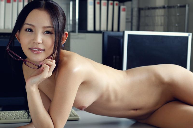 丘咲エミリ 美人秘書のエッチなお仕事…。