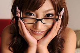 眼鏡をかけてエロさが増した可愛いお姉さんたち