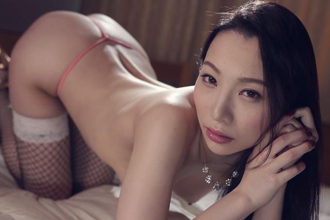 吉岡蓮美 スタイル抜群の美白美女の濃厚セックス