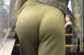 パンツスーツの尻のエロさを隠しきれてない画像 part2