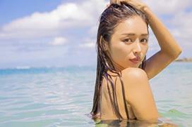 avex所属の新世代歌姫・加治ひとみ、最新MVで裸を思わせるセクシーショット晒すww