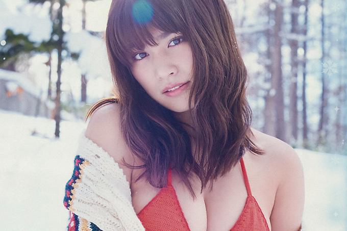 久松郁実 白い雪に映える小麦色の肌と極上ボディ!