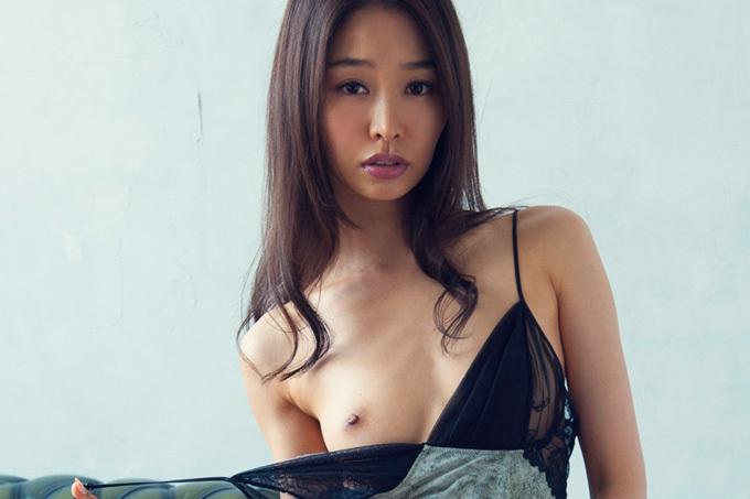 美麗グラビア × 夏目彩春 スレンダーボディの誘惑