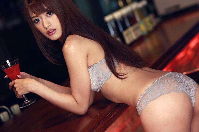 美麗グラビア × 希島あいり BARの綺麗でえっちなお姉さん。