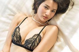 出口亜梨沙(25)噂の巨乳レポーターが、大胆過ぎる下着姿を披露wwwwwwwwwwww