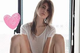 マギー(23) ガッツリ手ブラ&M字開脚を披露。サービス良すぎwww画像×34