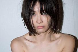 山崎真実(32)、新作写真集「re.」が完全に人妻ハメ撮りAVwwwww (※乳首あり)