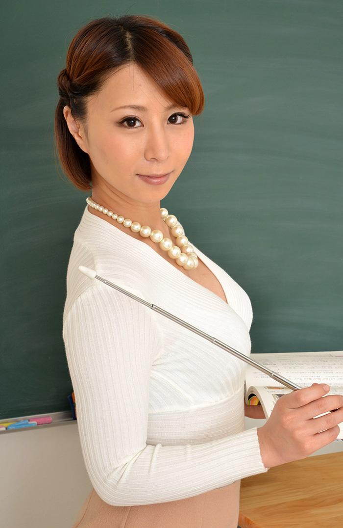 枢木みかん 女教師 画像 17