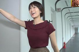 FOOT BRAINで佐藤美希(26)の横乳ニットおっぱい