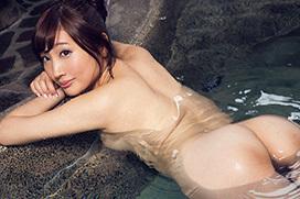 榎本美咲 人妻と温泉不倫旅行…妄想グラビア。