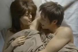 内田有紀、映画で魅せた濡れ場セックス!正常位で突かれ感じてる・・・