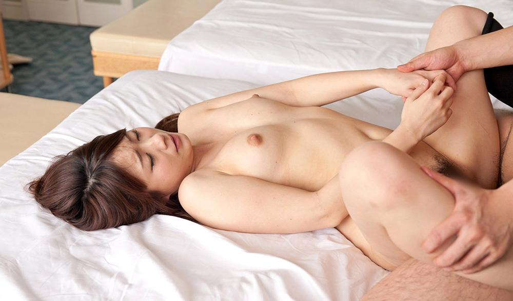 正常位 セックス 画像 17