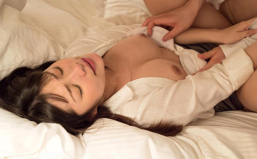 正常位 セックス 画像 10
