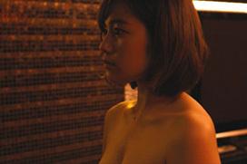 筧美和子が俳優の前でおっぱい丸出しになるフリンジマン第4話
