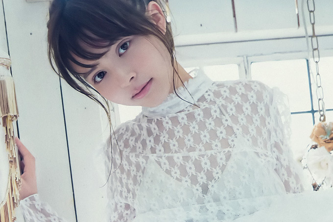 加藤ナナ 吸い込まれそうな茶色い瞳のモグラちゃん。