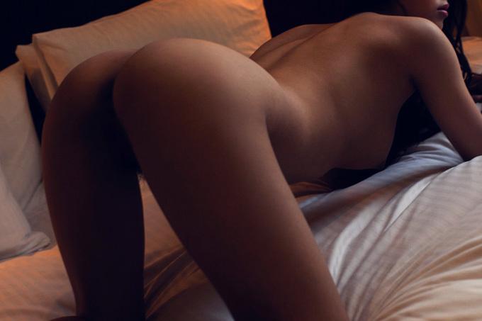 バックからを求めるようにお尻を突き出す…四つん這い画像100枚