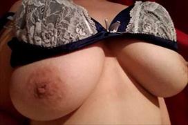 【ヌード公開】2ちゃんねるで自撮りヌードを公開した巨乳おっぱい女(19)wwwwなんJ民、大喜びwwwwwwww