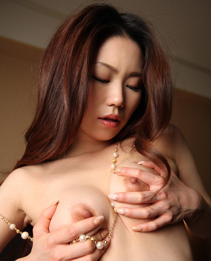 美乳 おっぱい 画像 14