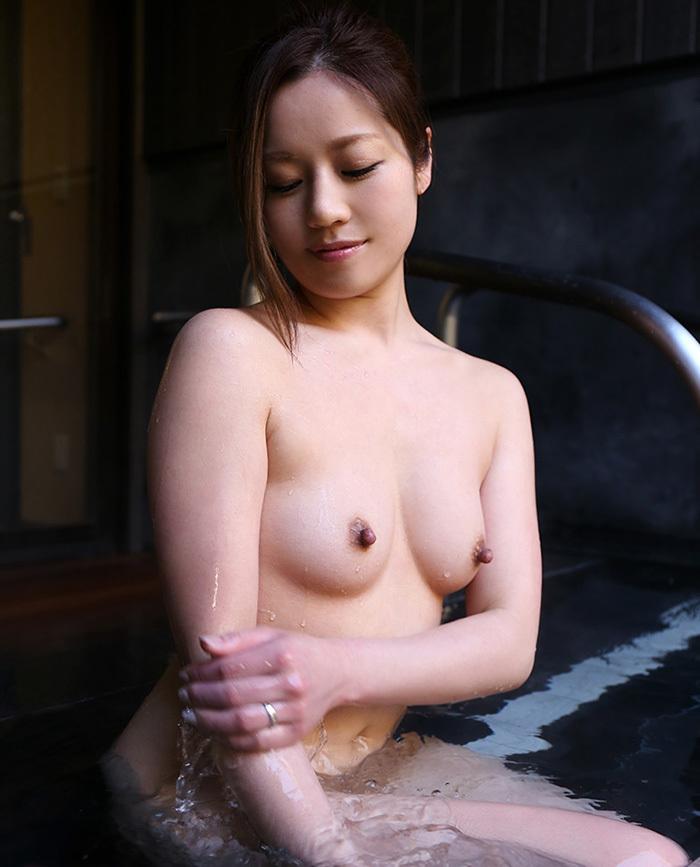 美乳 おっぱい 画像 23