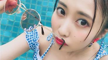 佐野ひなこ、封印水着姿を公開wwwwウエストのくびれがすげえwww(※画像あり)