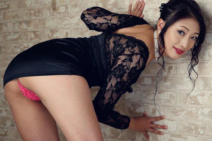 小早川怜子 肉厚な美尻を楽しむ…尻フェチセックス