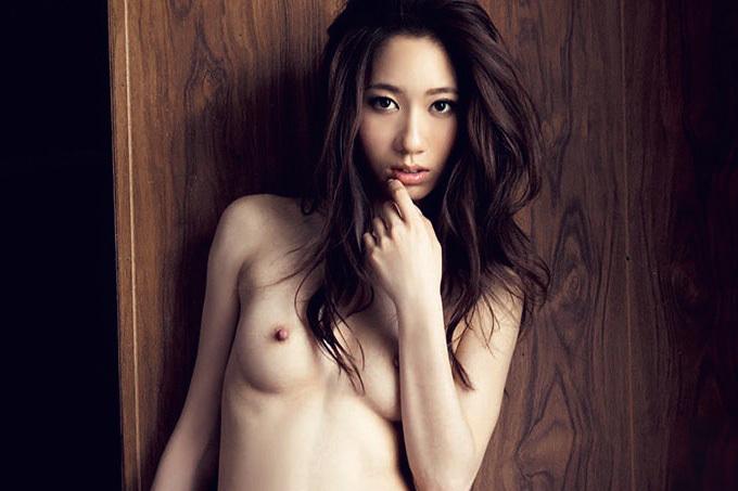 東凛 人妻のきめ細やかな美肌とエロス。