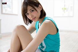 渡邉理佐 生足エロ画像35枚!欅坂46のクールな美少女が美脚グラビアを披露!