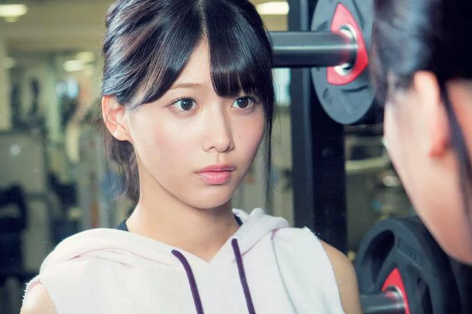 渡邉理佐 二度見しちゃう…スポーツクラブにこんな美女がいたら。