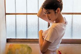 顔も可愛くなかなかエロい尻してる松田るかのグラビア画像