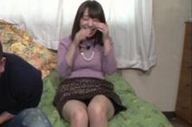 おっぱいデカ過ぎるグラドル・都丸紗也華、今度はパンチラで売り込んでる模様www