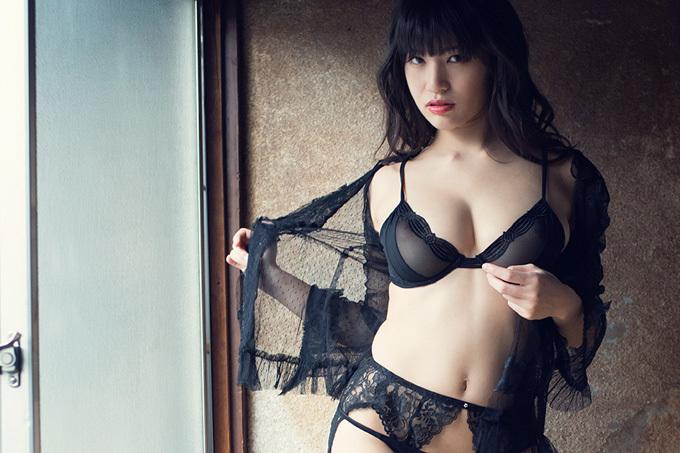 美麗グラビア × 高橋しょう子 妖艶下着の誘惑
