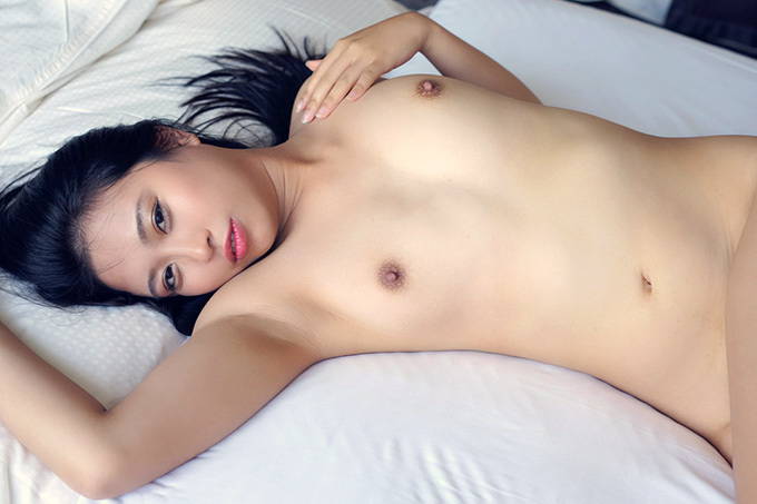 エローいオーラをムンムンさせながら激しく乱れる…セックス画像