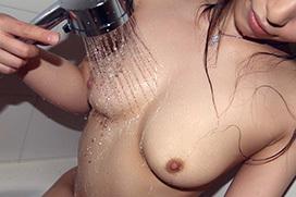 柔らかなカラダから滴る雫がヤラシイ…シャワー画像100枚