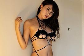 森咲智美~映像作品Pandoraも好調なGカップグラドルの超ギリギリ水着画像!