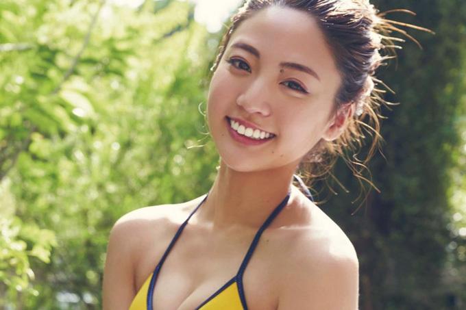 志田友美 透明な笑顔とセクシーすぎるボディ!