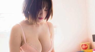 【乳房】筧美和子さん。熟れすぎて更におっぱいが垂れてきている…
