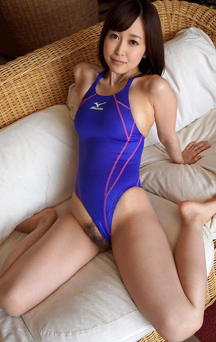 篠田ゆう 水着 画像 56