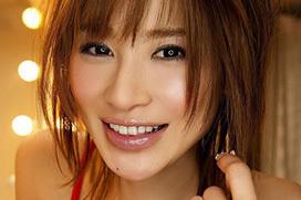 手島優 (36)の新曲「ハミ乳パパラッチ」が大人気らしい件