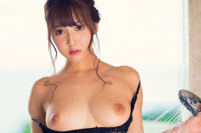 三上悠亜 × シャワー