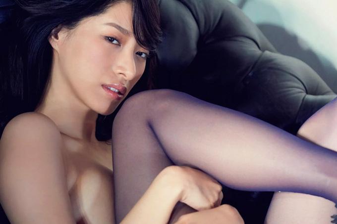 染谷有香 大胆すぎるほどセクシーに脱いで誘って。