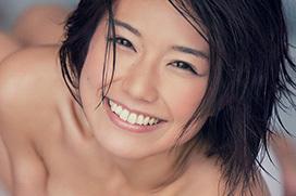 藤木由貴 スレンダーでセクシーな魅惑ボディと眩しい笑顔のお姉さん!