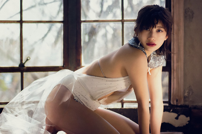 小倉優香 廃墟で魅せる美。
