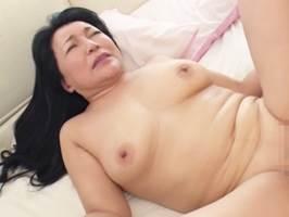 宝田さゆり〈五十路〉望まぬ性交渉がいつの間にか自ら欲するようになった肉欲熟女