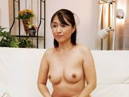 小田しおり(五十路)夫が不能で欲求不満を募らせる発情マダム