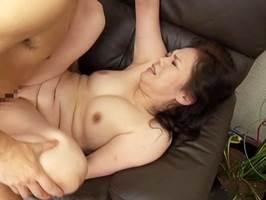 多賀よしの(五十路)ぷっくりと色づいた桜色の乳首が艶やかなマダム