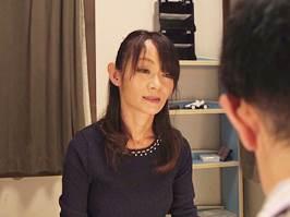 庄司優喜江(五十路)性教育のつもりで手コキしたら中出しされた美魔女