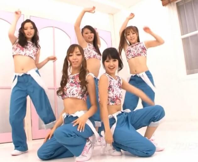 最強美少女アイドルダンスユニット『KARI』がダンス練習中にバックダンサーの男達に乱入され生ハメ中出し種付けされまくる!
